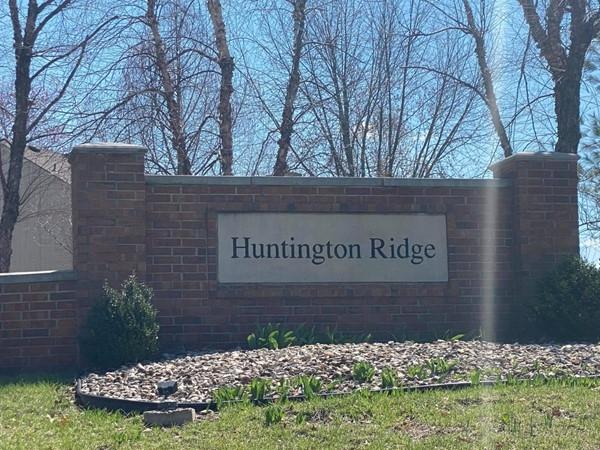 Huntington Ridge Subdivision entry sign