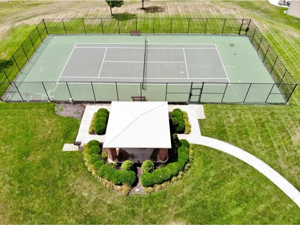 The Woodneath Farms Community offers great amenities! Tennis courts, walking trails and pool