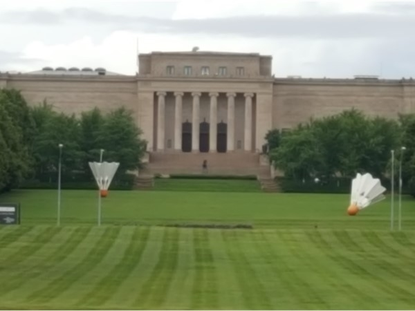 Shuttlecocks on the lawn. Let's go to the Nelson Atkins Art Musium