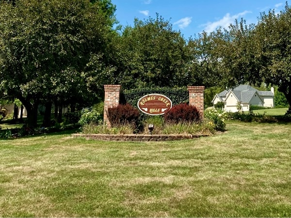 Entrance to gorgeous Home Creek Hills in Kearney