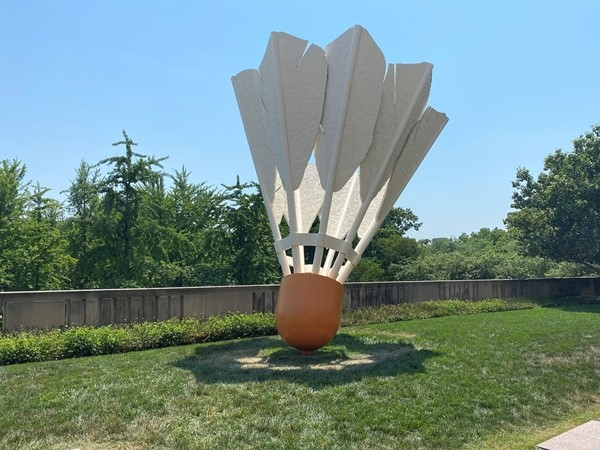 Shuttlecock at The Nelson-Atkins Museum of Art