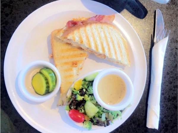 OMG! Bean Counter Cafe is amazing!  I had a buffalo chicken panini, side salad w/lemon vinaigrette