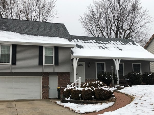 Well maintained home in Park Hill