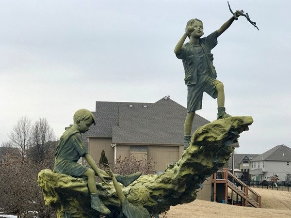 One of the interesting sculptures along Seven Bridges trails