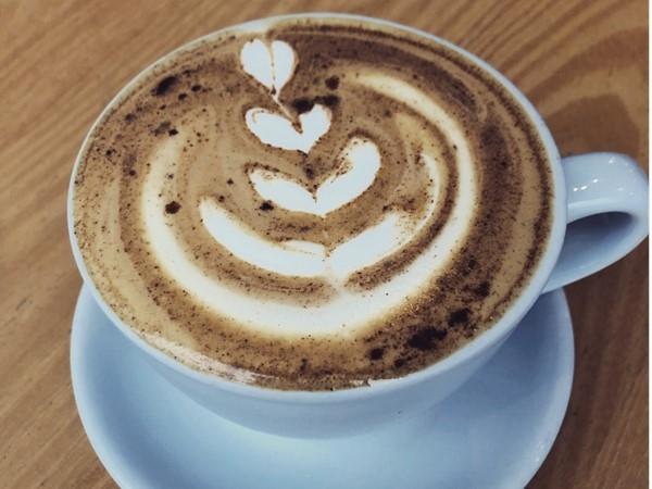 A beautiful Vanilla Cinnamon Flat White at Hammerhand Coffee