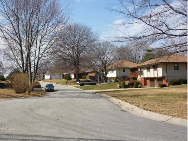 Northwest Palmer Drive from Northwest 4th Street in Country Club North