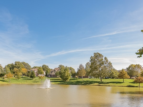 Lake and fountain at Mills Crossing Estates