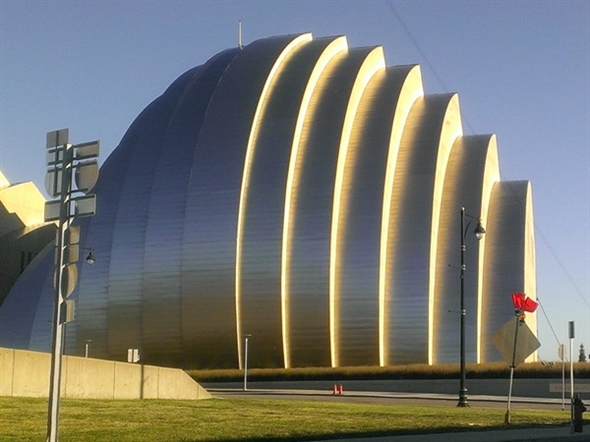 The fabulous architecture of the Kauffman Center for the Performing Arts