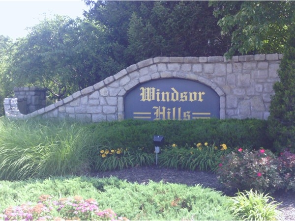 Windsor Hills entry marker in Overland Park