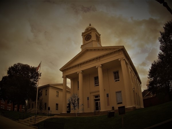 Historic Lafayette County Courthouse