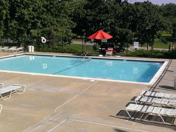 Community Pool at Bridgepoint