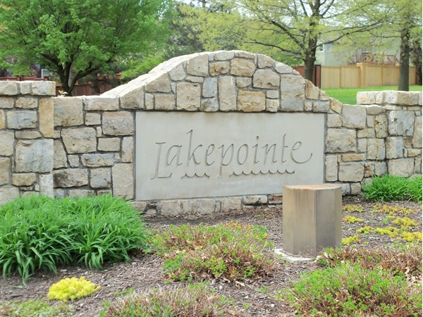 Lakepointe entrance