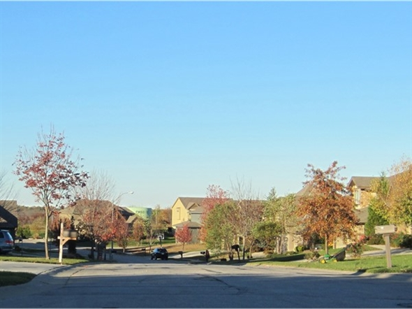 Fall day in Woodland Shores