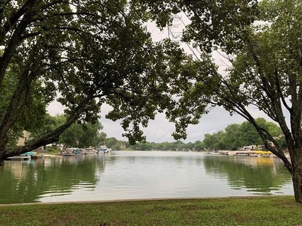 Peaceful Lake Tapawingo