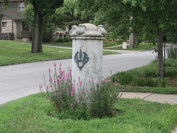 Westport - statue in the neighborhood