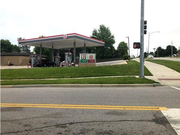 Gas station nearby Briarwood