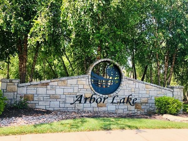 Arbor Lake Entrance