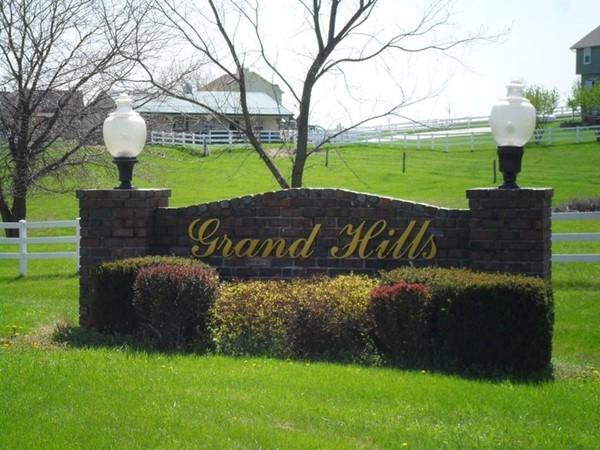 Grand Hills - A small acreage subdivision in the Kearney School District