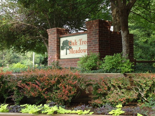 Oak Tree Meadows entrance....