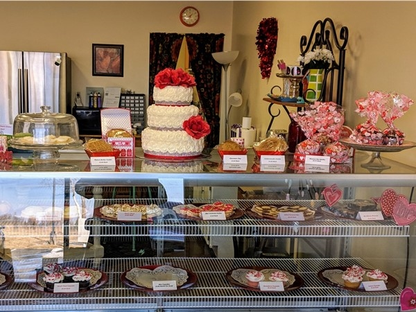 Bake My Day - Locally owned bakery at the entrance to Lakewood