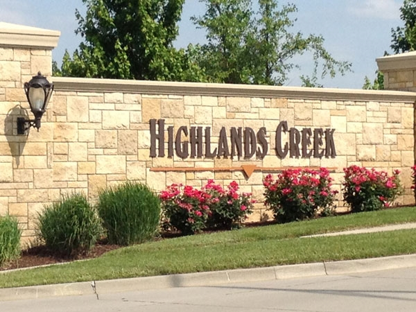 Highlands Creek Subdivision: Minutes away from shopping, dining, and entertainment.