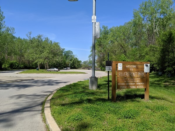 Riverfront Park offers a boat ramp with access to the Missouri River and  great views