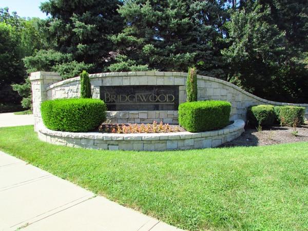 Entrance marker on Roe Avenue