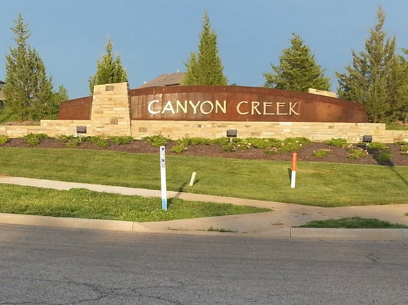 Canyon Creek By The Park Subdivision Entryway