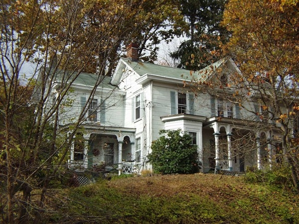 Historic house across from Demarest Farms