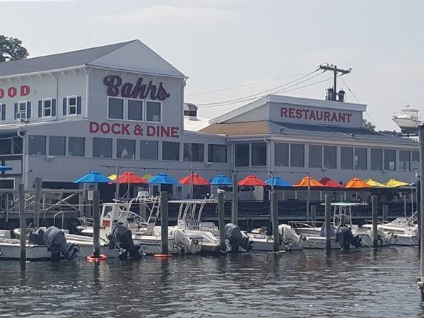 Great restaurant when enjoying a day on the water