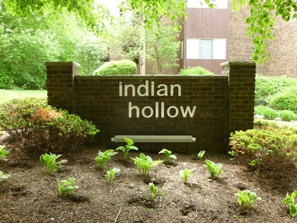 Indian Hollow Condominium - Great community with most units having a garage