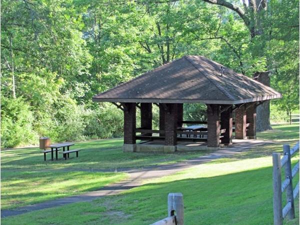 Sheltered picnic area in Burnham Park