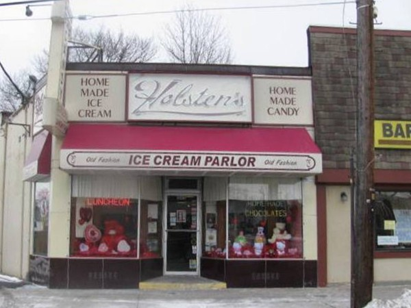Holsten's Old Fashioned Ice Cream Parlor complete w/candy cases! Last scene  of Sopranos