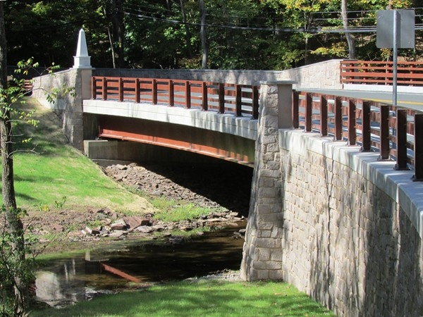 The new Jacobs Creek Road bridge