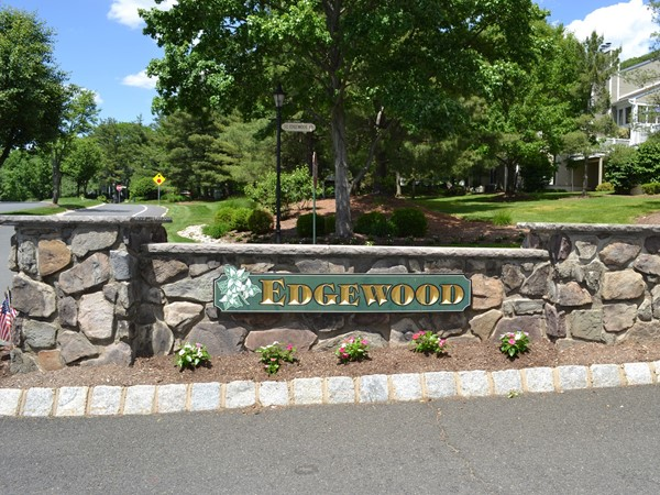 Edgewood is nestled in The Hills at Bedminster and has 86 units on 14 beautiful acres of lawns