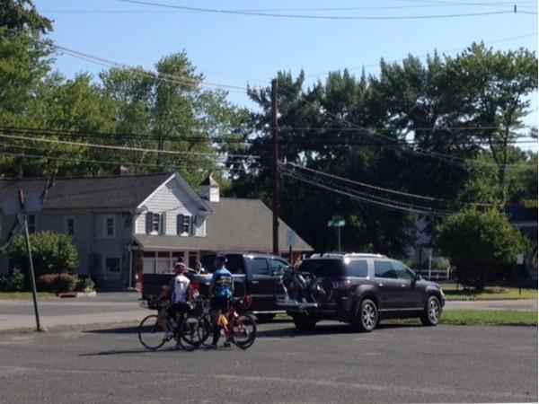 Great bicycling off Meyersville Road near Great Swamp; lunch spot, Meyersville Inn