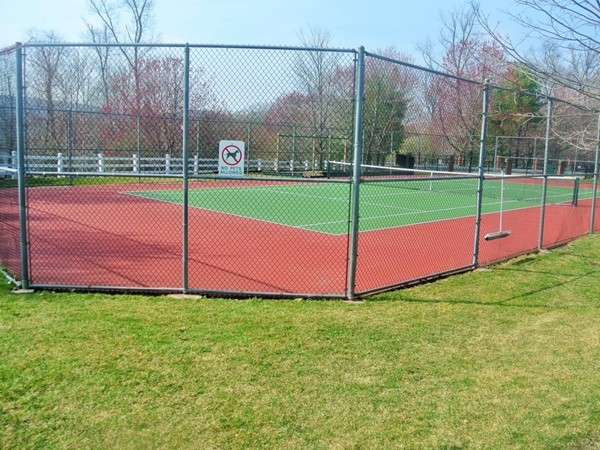 Beautiful tennis court at Franklin Heights