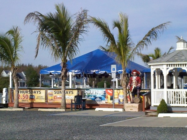 Looking for a waterfront fun spot? Visit Captain's Inn Tiki Bar for a great time!