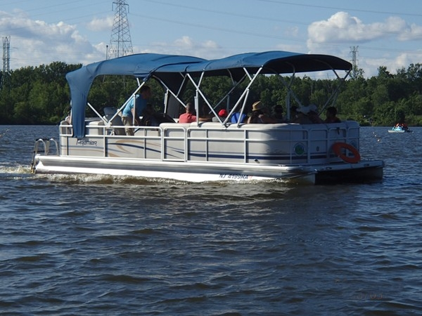 Guided Pontoon boat tour on Mercer County Lake