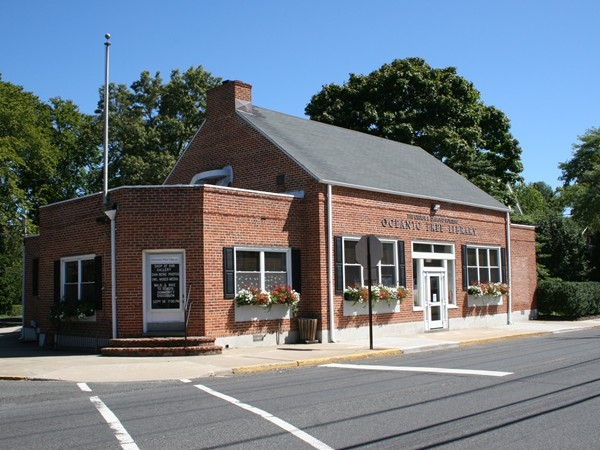 Rumson's Oceanic Free Library