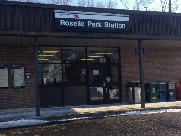 Roselle Park train station. Easy commute to Manhattan