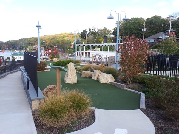 Mini Golf on the Lake