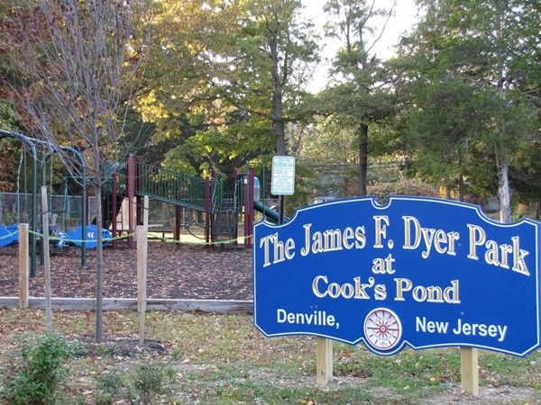 Entrance sign at Cook's Pond and playground in Denville Township