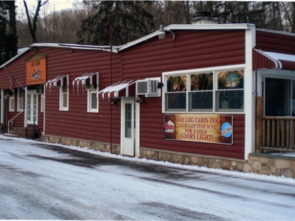 The Log Cabin Inn Located On Rt 46, Known For Their Pizza And Huge Burgers