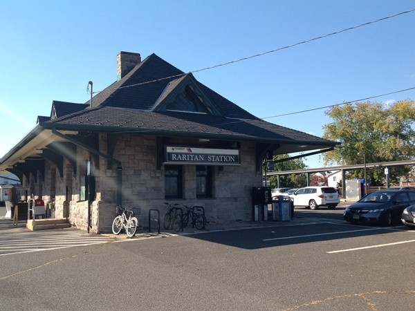 Raritan train station is several blocks from downtown along the Raritan Valley Line of NJT