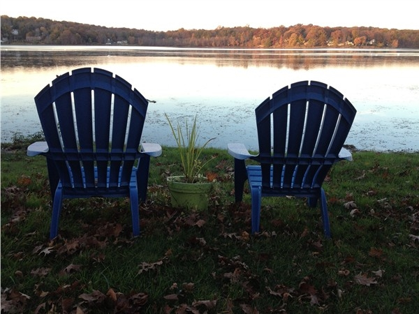 Take it easy by Lake Musconetcong