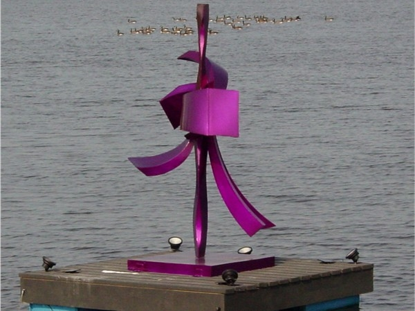 Floating sculpture at Silver Lake