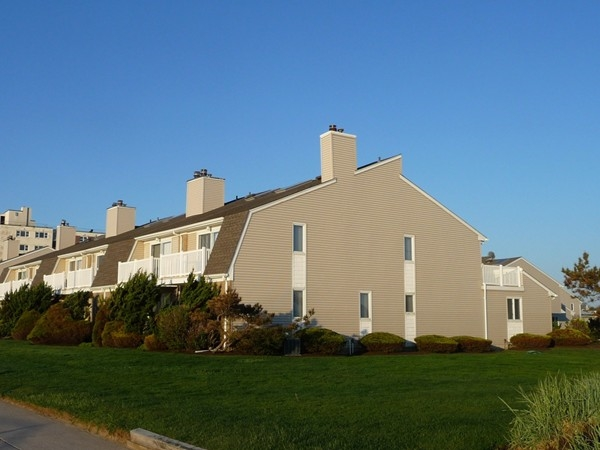 Eleven of the townhouses in Horizon House on the Long Branch boardwalk face directly on the ocean.