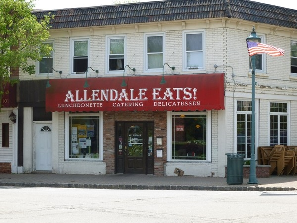 Allendale Eats Deli - get your breakfast before you board the train