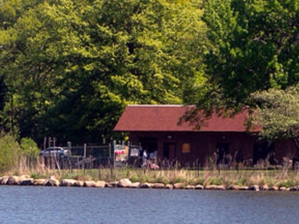 Warinanco Park boathouse